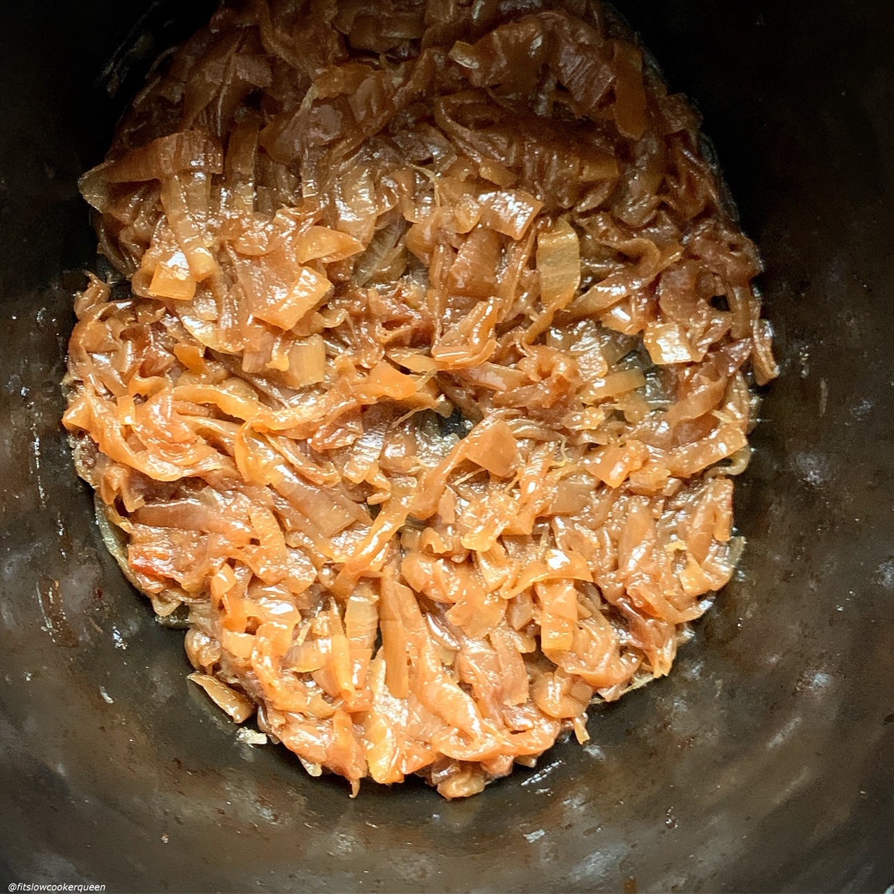 cooked caramelized onions in the slow cooker