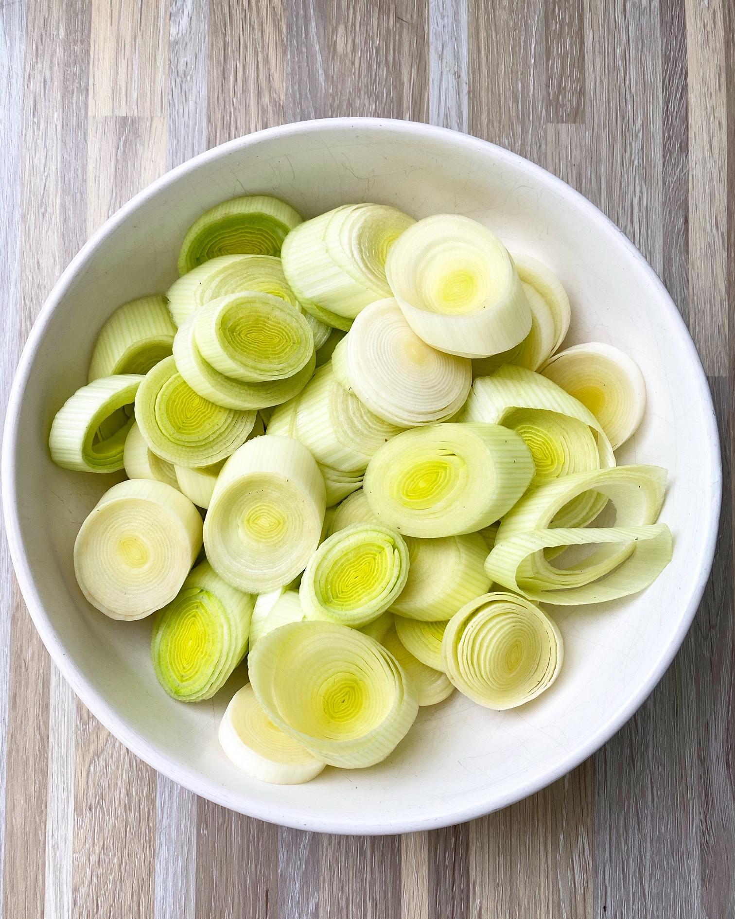 sliced leeks in a bowl