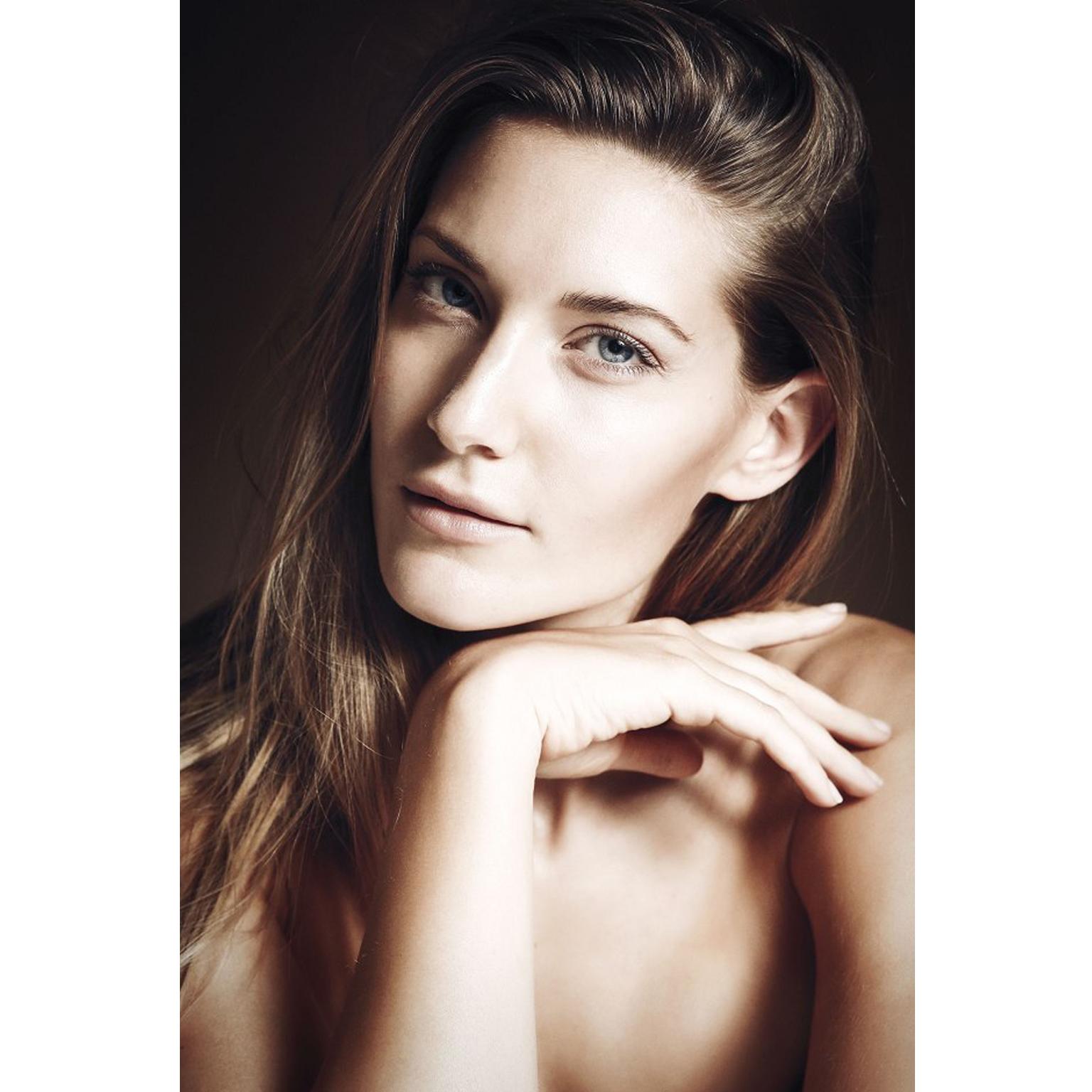 Toronto-Fitness-Model-Agency-Beauty-Portrait-Amanda-La-Magna