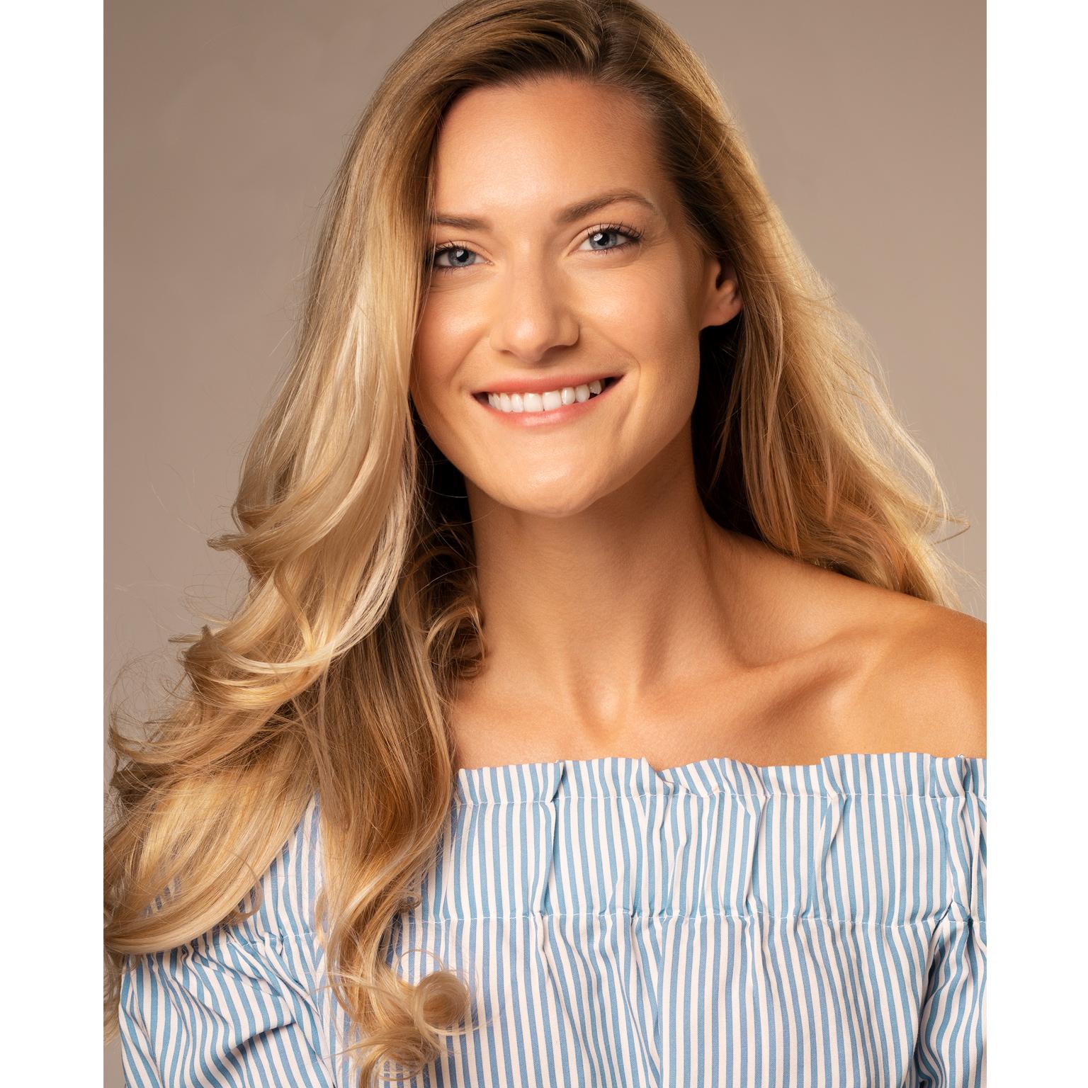 Toronto-Fitness-Model-Agency-Headshot-Amanda-La-Magna