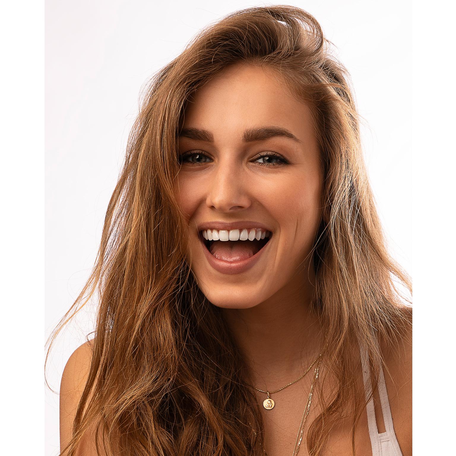 Toronto-Fitness-Model-Agency-Portrait-Joanna-Bis