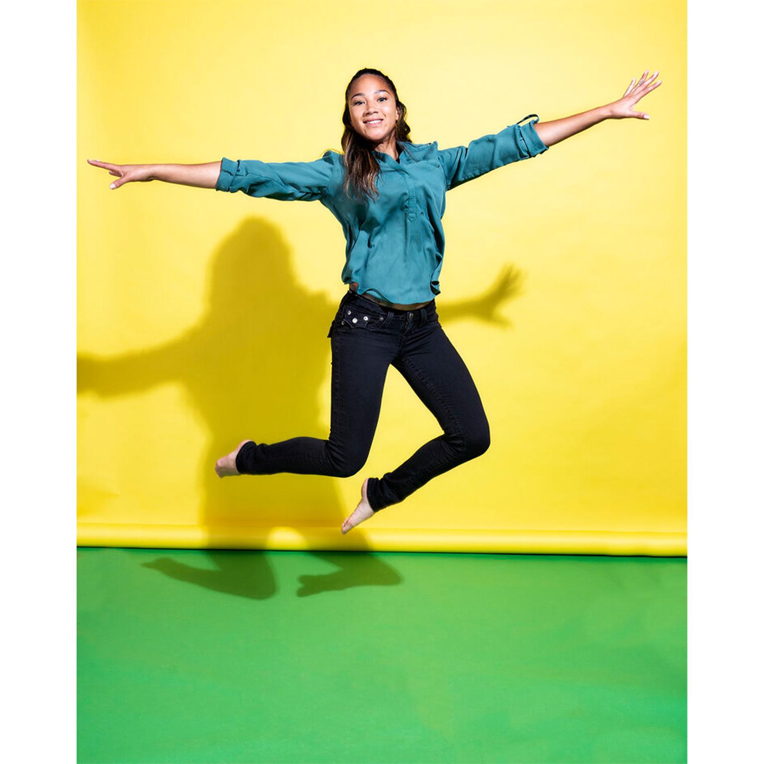Toronto Fitness Model Agency - Lifestyle Commercial Model - Alysia Thomasos 4