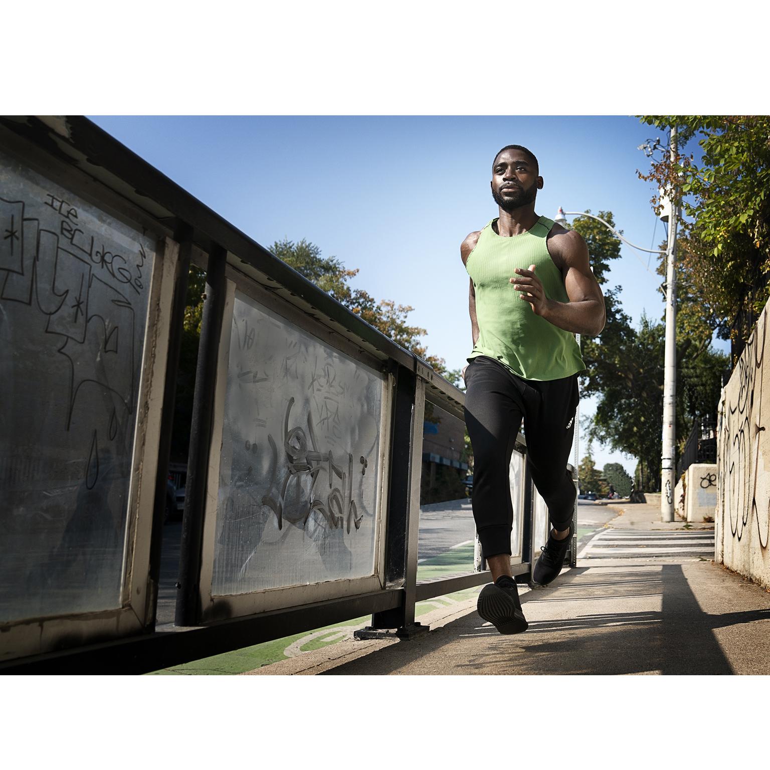 Toronto-Fitness-Model-Agency-Fitness-Casual-Commercial-Perez-Tieku-Fitness-Model-Running