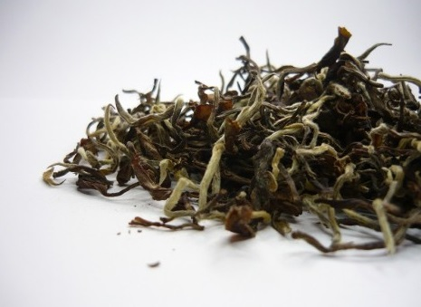 Best White Tea Brands-vintage-darjeeling-silver-tips-tea