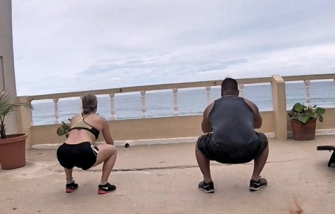 squats tips to stay in shape traveling fittwotravel.com