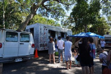 Giovanni's shrimp truck Hawaii fittwotravel.com