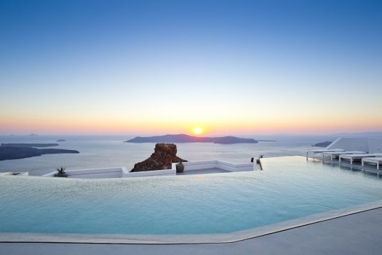 Best Hotels Santorini Grace