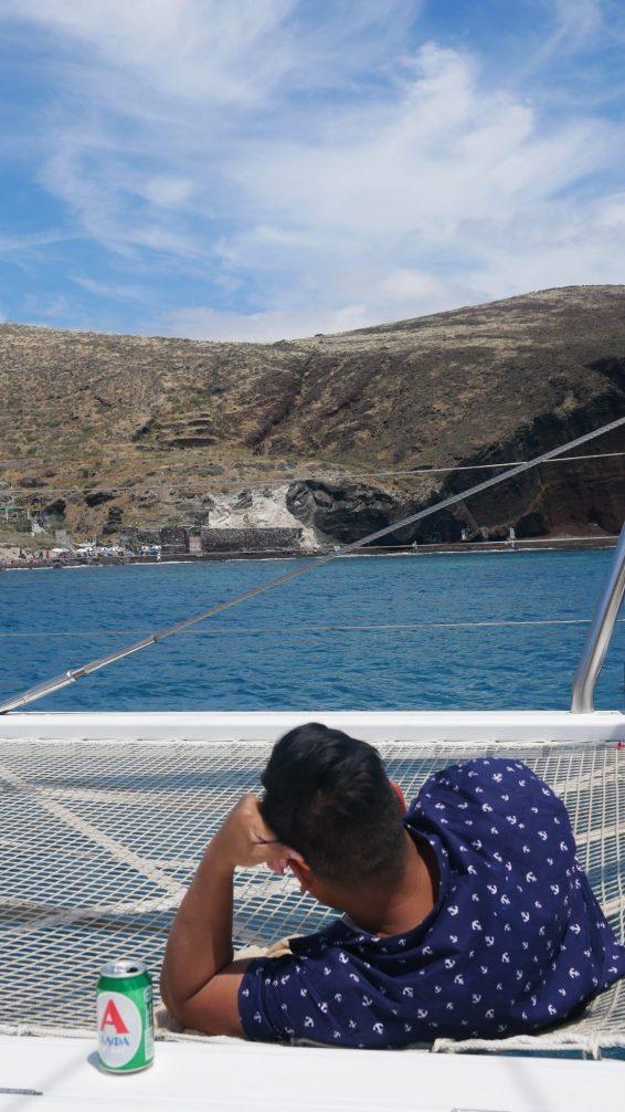 Santorini boat tour fittwotravel.com