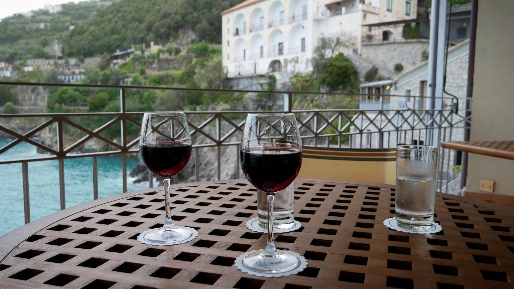amalfi coast restaurant fittwotravel
