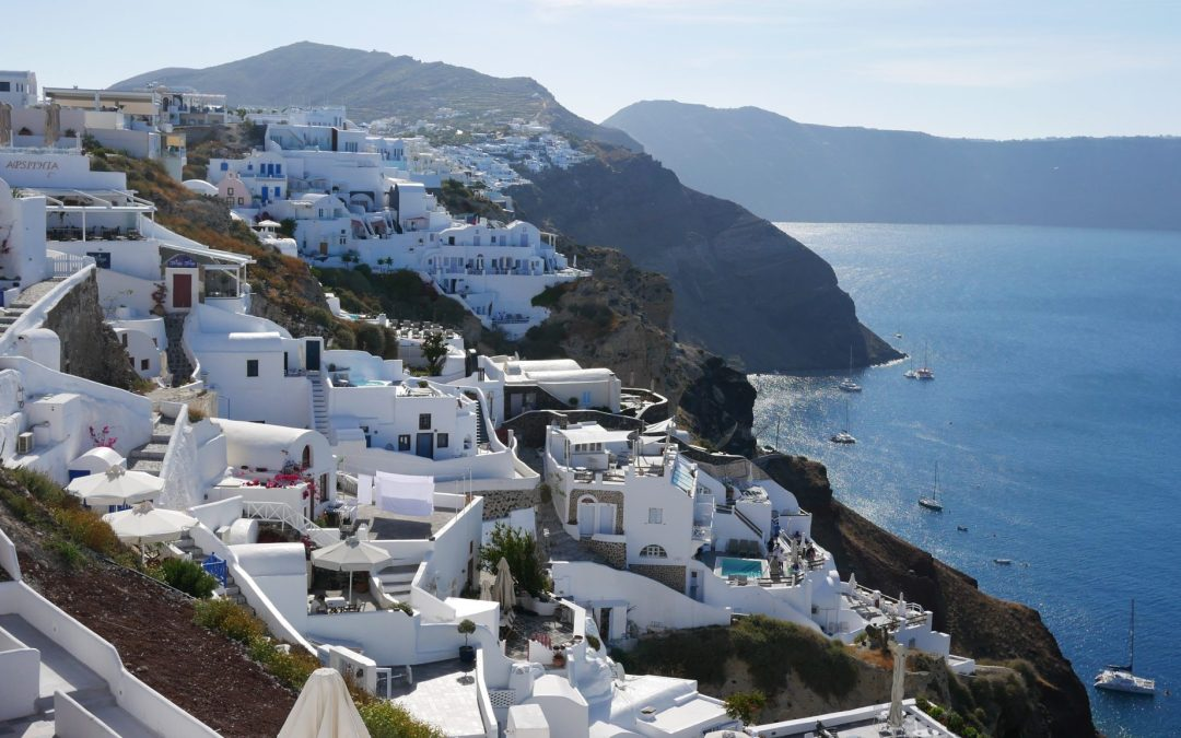 ultimate guide to Santorini Fittwotravel.com