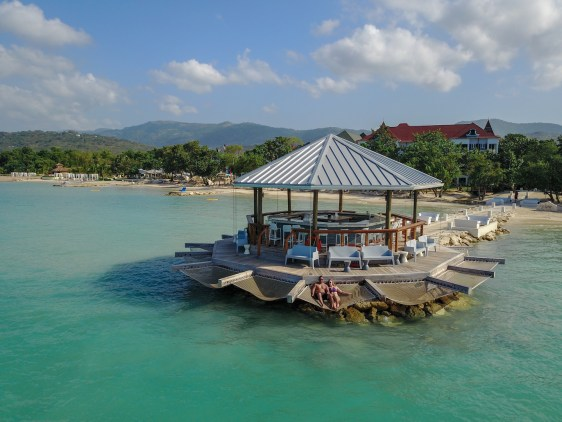 Sandals south coast overwater bar fittwotravel.com