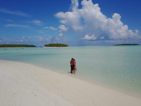 AIr Rarotonga to Aitutaki day tour fittwotravel.com