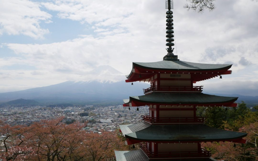 japan on a budget mt fuji fittwotravel.com