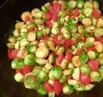Spruitjes met knoflook en tomaat