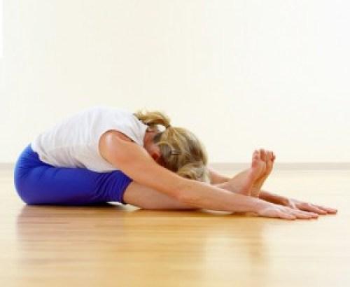54419337a72dffdd_yoga-forward-bend.xxxlarge_0