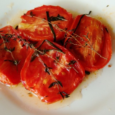 Easy and tasty roasted tomatoes