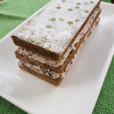 Green tea and red bean cream layer cake