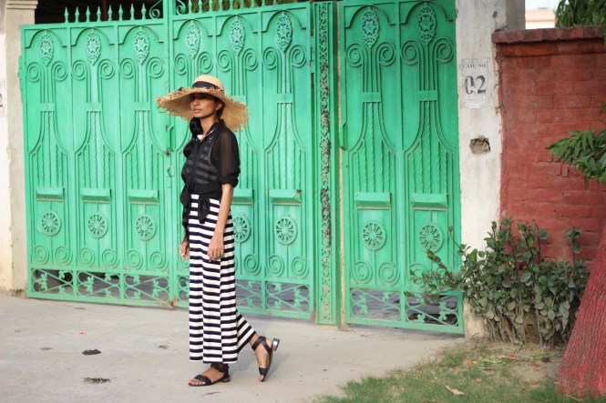 black-striped-maxi-dress