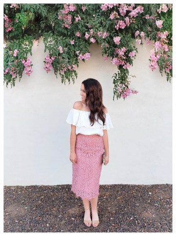 Petite Fashion blogger Five Foot Feminine in Rachel Parcell Skirt