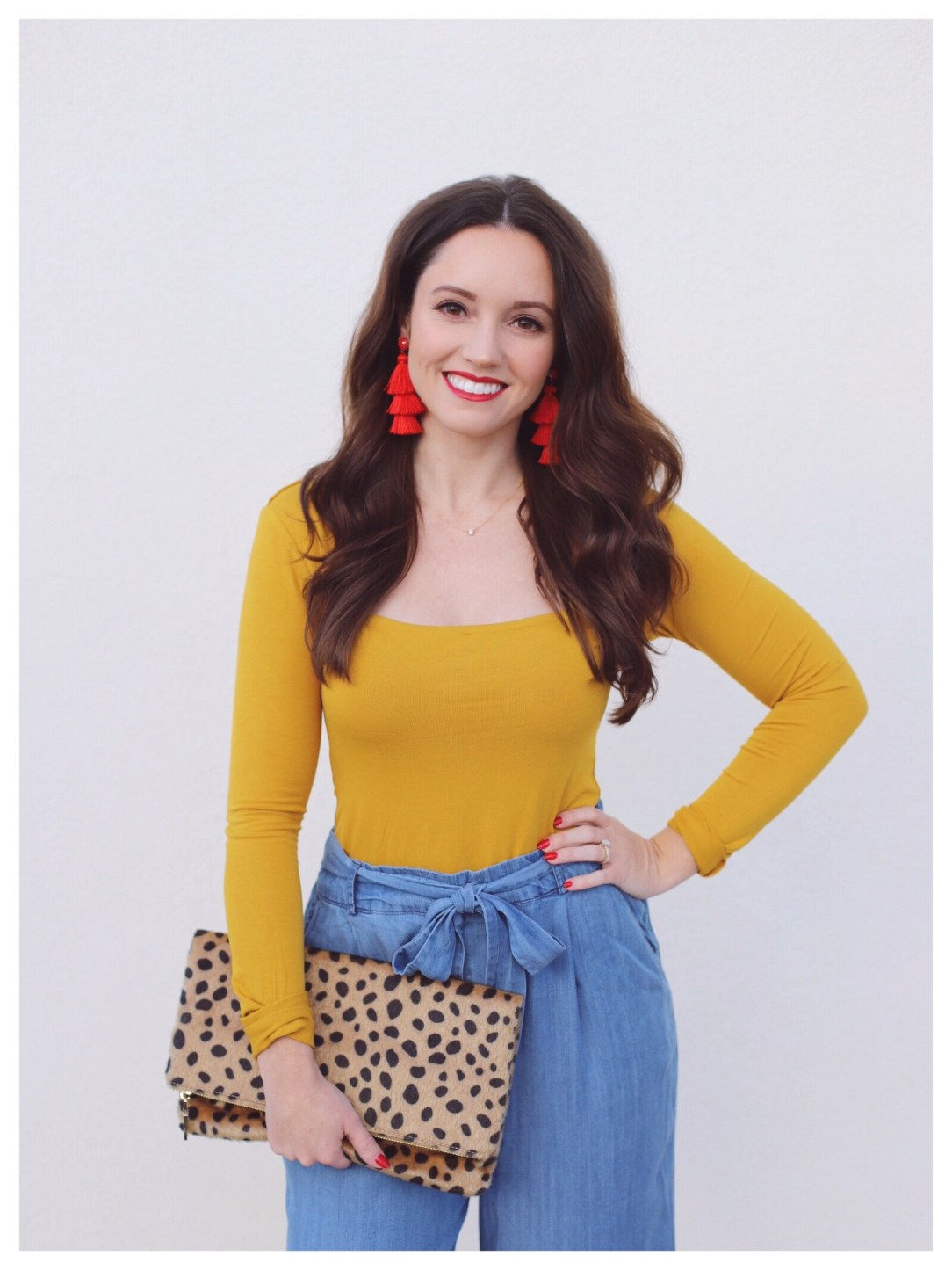 FiveFootFeminine with Cheetah Print Clutch