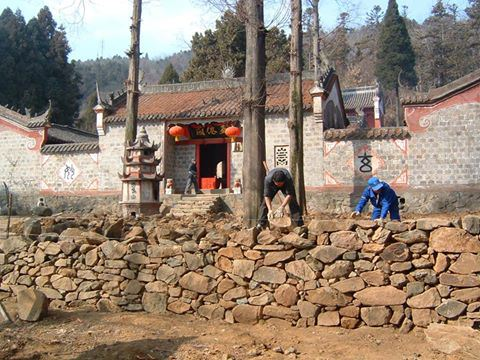 works at five immortals temple in wudang
