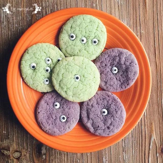 Halloween Treat Round-up: Monster Halloween Cookies | Five Marigolds