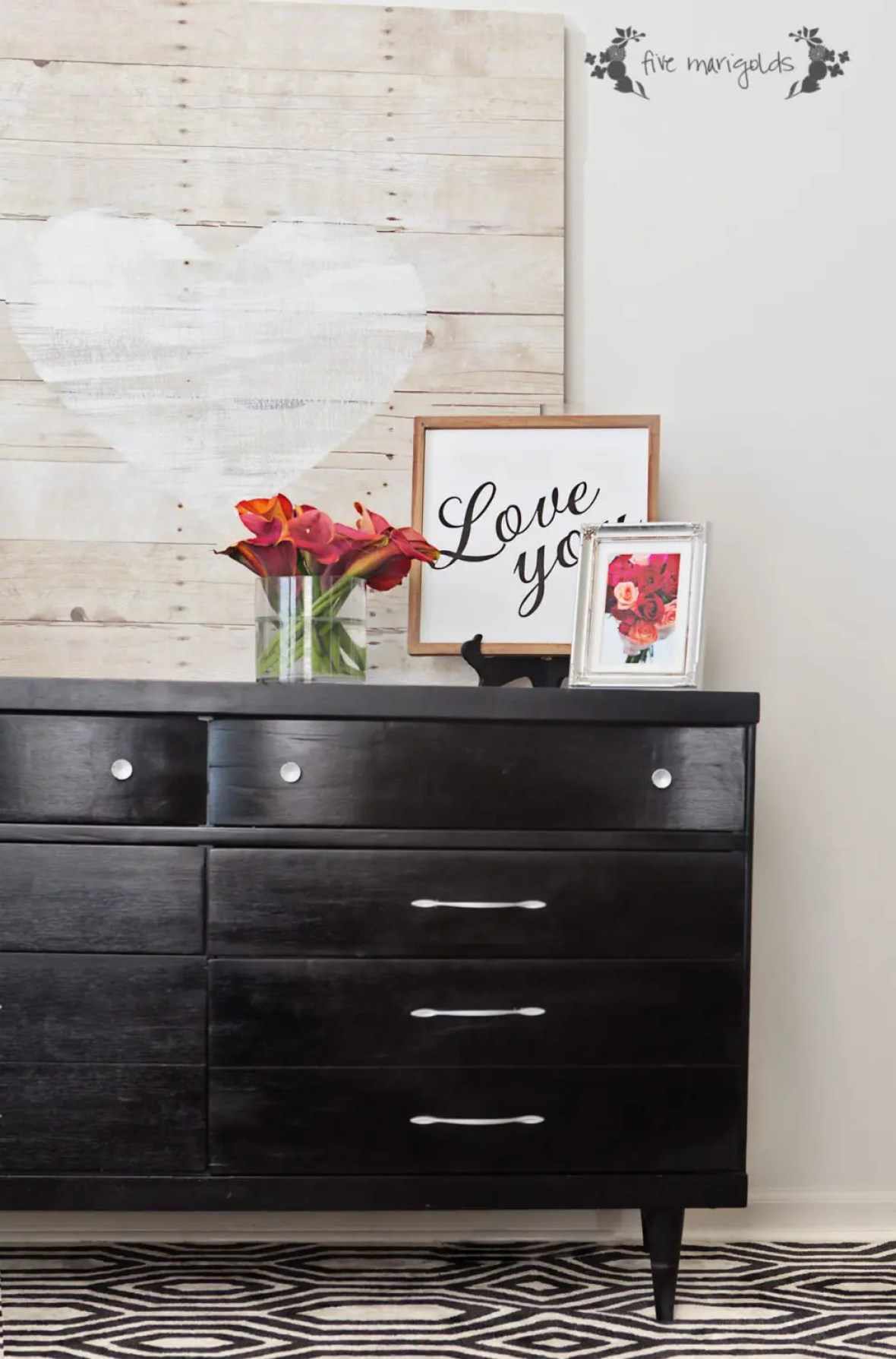 Valentine's Day Faux Pallet Barn Wood Sign | www.fivemarigolds.com