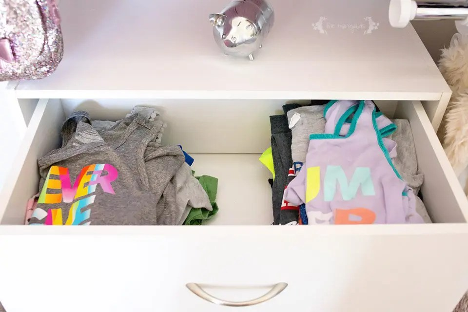 Girl's Room Closet Organization Before and After #WinterizeYourClosets #ad