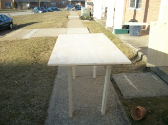 End view of the assembled Five Minute College Table