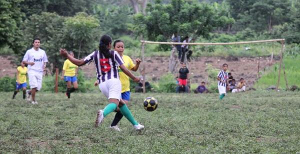 Girls Football - Amojo Ometepe