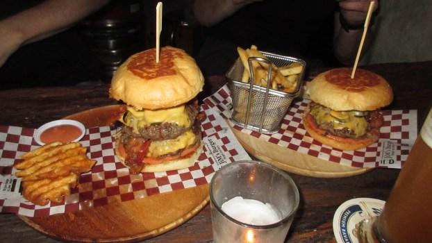 Jim's-Burgers-Pattaya-food-cheap-Thailand-wine
