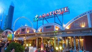Asiatique-Market-Restaurants-Shops-Bangkok-boats-river-babes