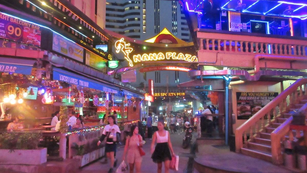 bangkok nana plaza ile ilgili görsel sonucu