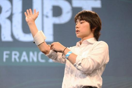 Next-Gen UnlimitedHand VR Haptic Controller