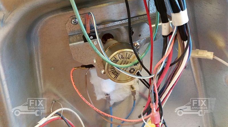 oven door locking mechanism