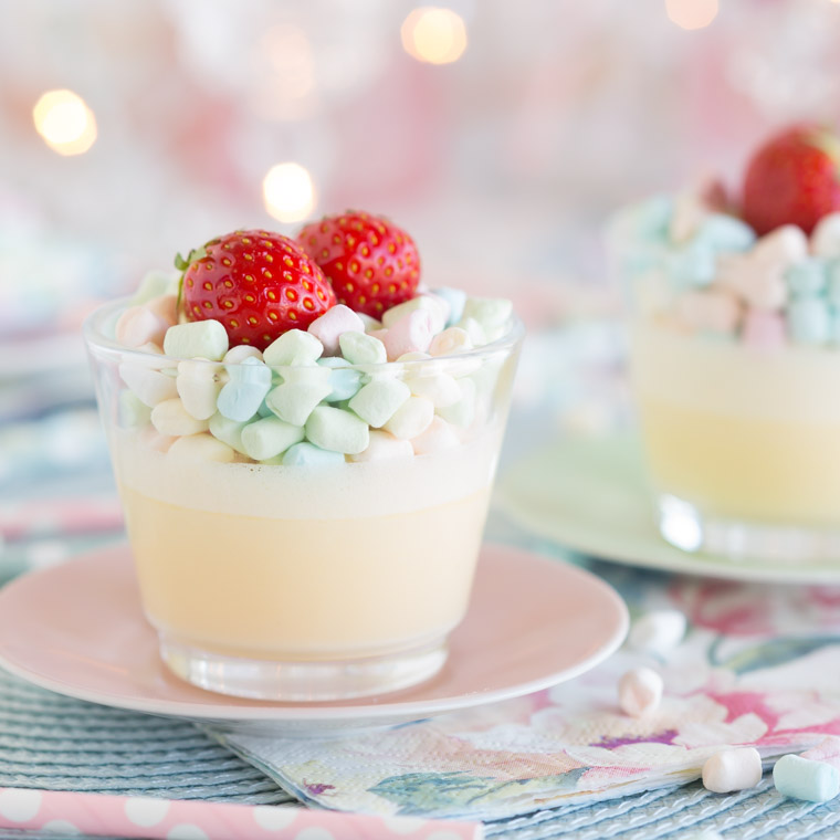 snabb-och-enkel-marshmallowspannacotta-pa-2-ingredienser-av-anna-winer-03-jpg.jpg