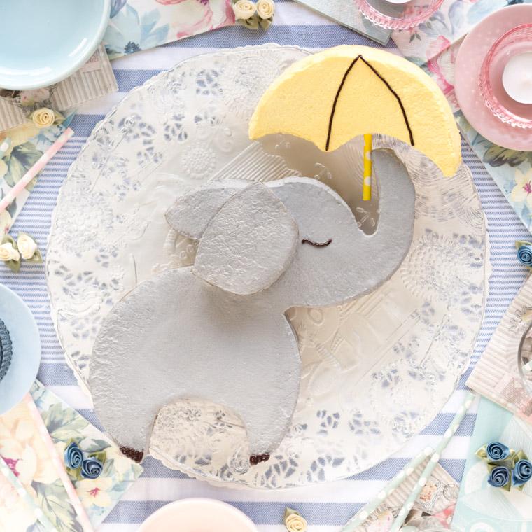 elefanttarta-med-paraply-av-2-runda-kakor-av-anna-winer-03-jpg.jpg