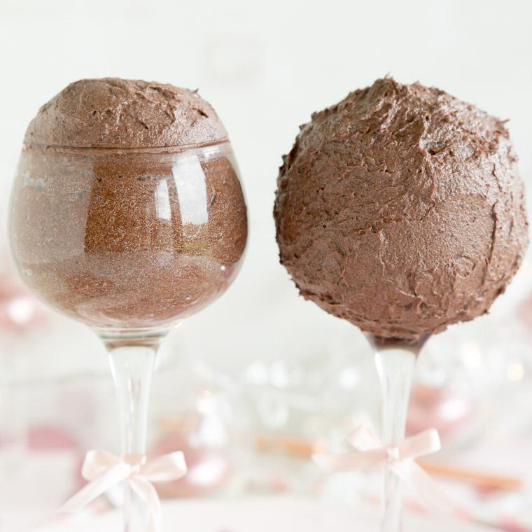 cake-pops-pa-glasfot-av-anna-winer-02-jpg.jpg