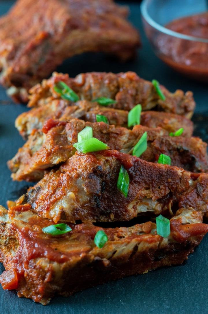 The best rub and homemade whole30 barbecue sauce for pork ribs