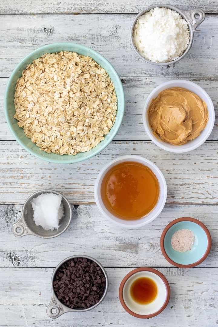 Ingredients for making your own chewy granola bars