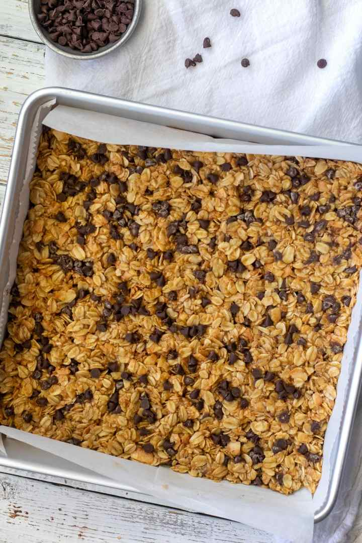 How to make your own chewy granola bars