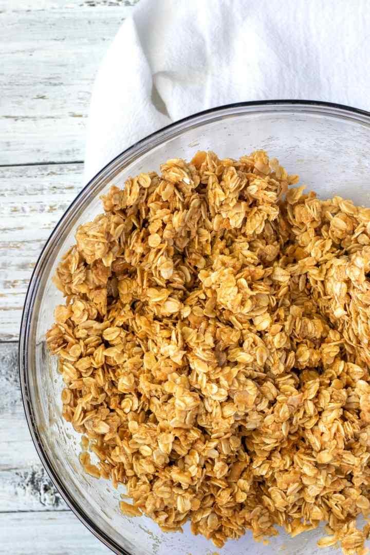 Peanut butter honey oats mixture