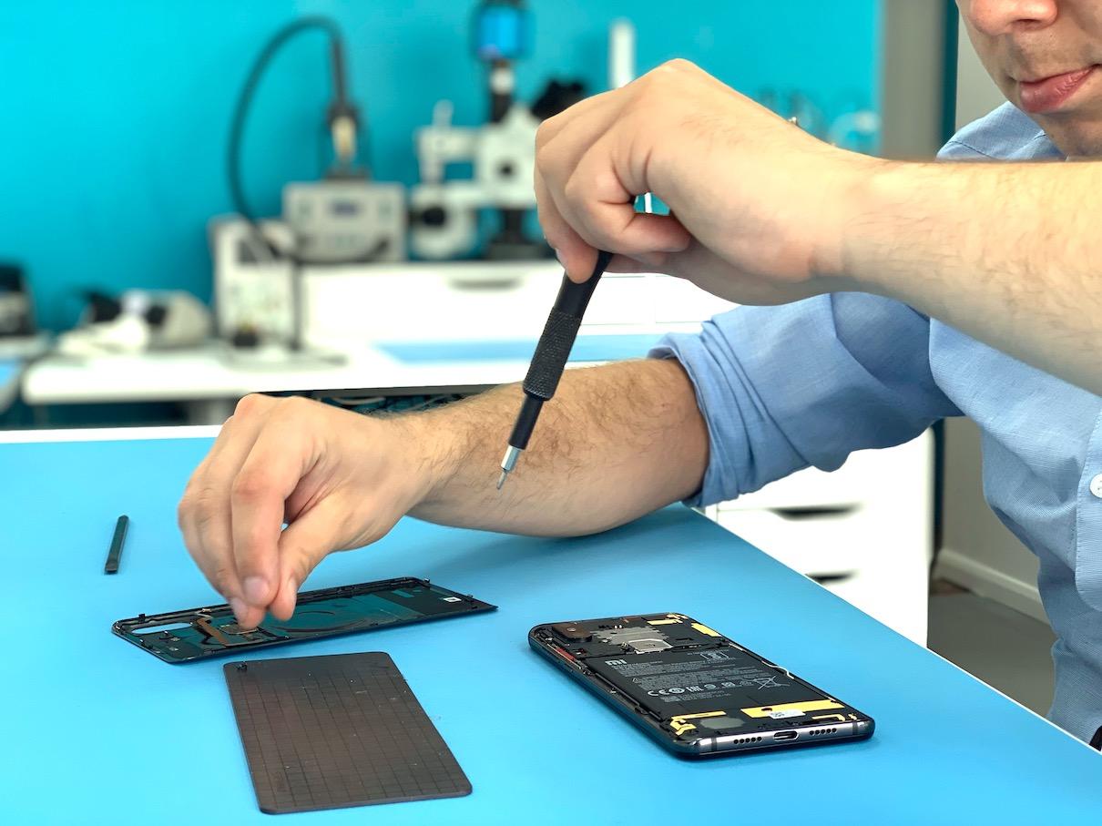 Essential Phone Repair Fixfactor Same Day Phone Repair Iphone Repair Computer Service In London