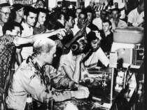 lunch counter sit in humiliation