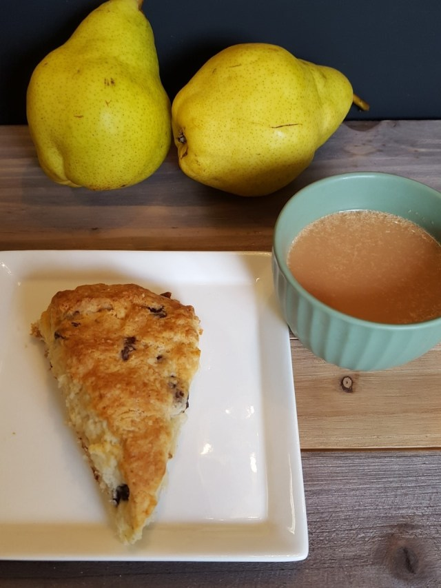 chocolate-and-pear-scone-with-tea-and-pears