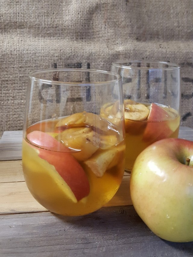 roasted-apple-sangria