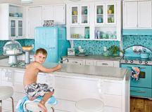 10 Retro Kitchen Remodels | Visual Remodeling Blog | Fixr