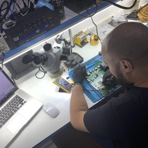 Reparo da placa mãe do Xbox One