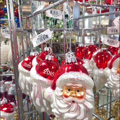 Triangular Grid Christmas Ornament Display 3