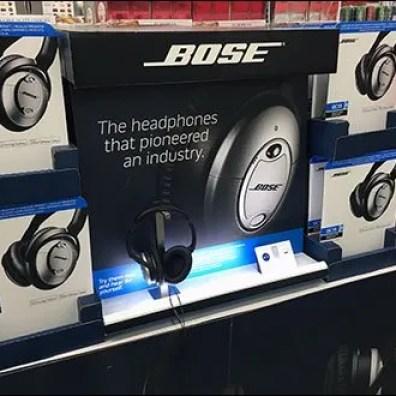 Bose Headphone Display Backlit 1